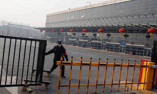 Lo sợ nhiễm virus corona Vũ Hán, Bắc Kinh cấm xe khách đường dài - Ảnh 1