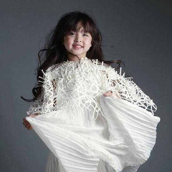 """Ngẩn ngơ vẻ đẹp tựa thiên thần của con gái """"mỹ nhân đẹp nhất Philippines"""" - Ảnh 8"""