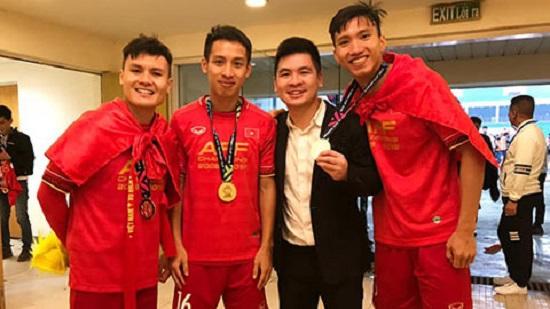 Con trai bầu Hiển 25 tuổi bất ngờ được bổ nhiệm làm Chủ tịch CLB Hà Nội - Ảnh 1