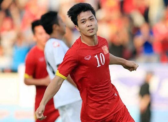 """Công Phượng bất ngờ lọt """"Top 10 cầu thủ tiến xa nhất châu Á"""" - Ảnh 1"""