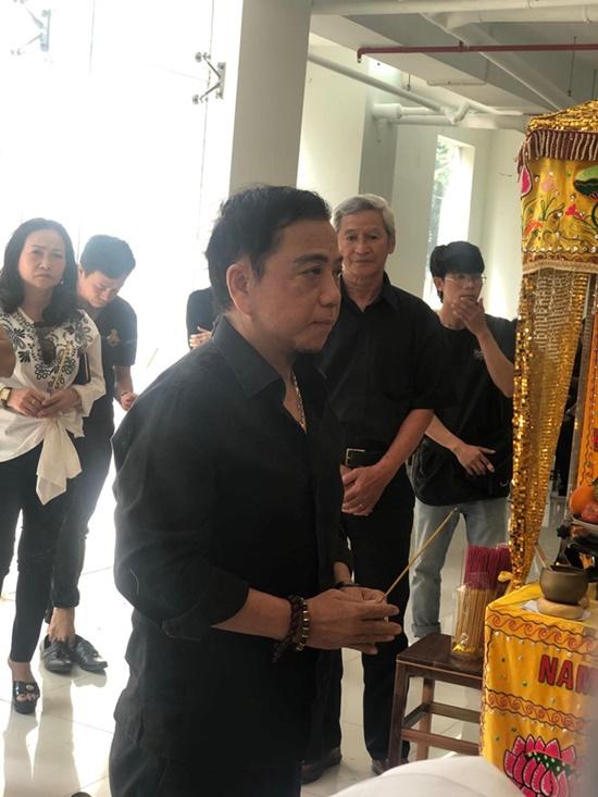 Nguyên Thủ tướng Nguyễn Tấn Dũng cùng vợ đến viếng nghệ sĩ Chánh Tín - Ảnh 5