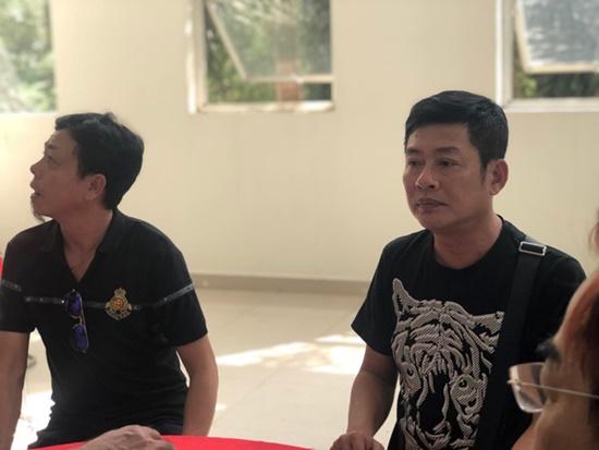 Nguyên Thủ tướng Nguyễn Tấn Dũng cùng vợ đến viếng nghệ sĩ Chánh Tín - Ảnh 7
