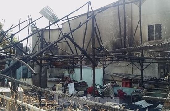 Bình Dương: Bà hỏa thiêu rụi quán thịt chó lúc rạng sáng, cả gia đình thoát chết trong gang tấc - Ảnh 5