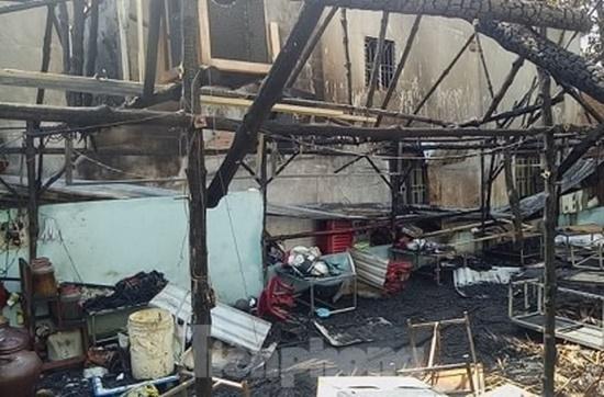 Bình Dương: Bà hỏa thiêu rụi quán thịt chó lúc rạng sáng, cả gia đình thoát chết trong gang tấc - Ảnh 6