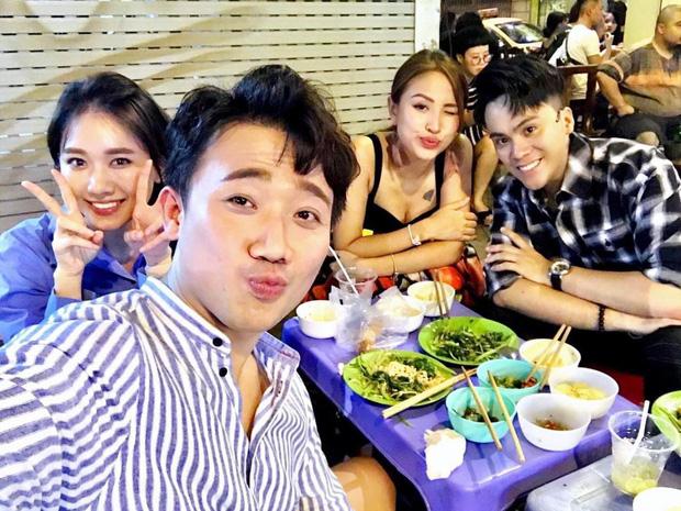 """MC Trấn Thành biến hóa phong cách """"cưa sừng làm nghé"""" với mái tóc """"ngố tàu"""" - Ảnh 3"""