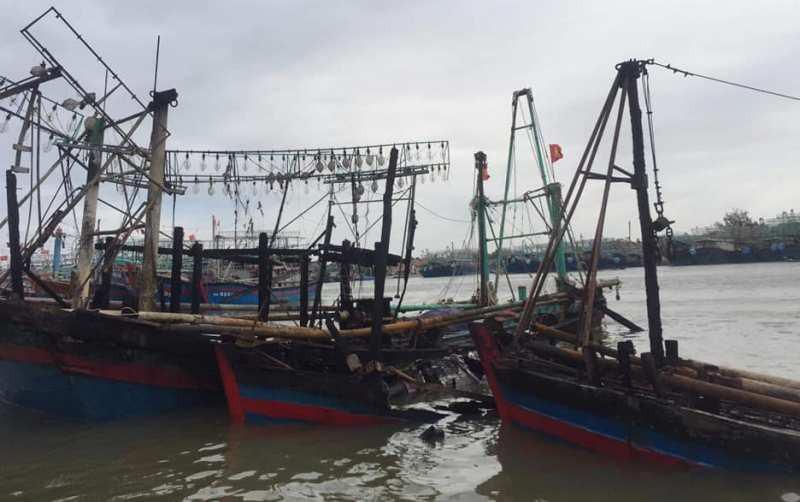 Ngư dân Nghệ An trắng tay khi hàng loạt tàu cá bốc cháy ngùn ngụt trong đêm - Ảnh 1