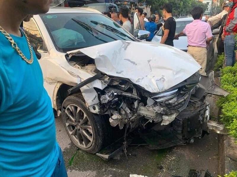 """Vụ xe """"điên"""" đâm liên hoàn 10 phương tiện, 1 người chết ở Hà Nội: Tài xế 18 tuổi có nồng độ cồn trong máu, chưa có GPLX - Ảnh 1"""