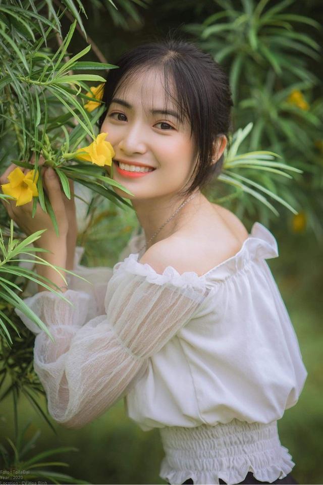 Nữ sinh Nam Định sở hữu nét đẹp đậm chất Á Đông, nụ cười tỏa nắng luôn thường trực trên môi - Ảnh 4