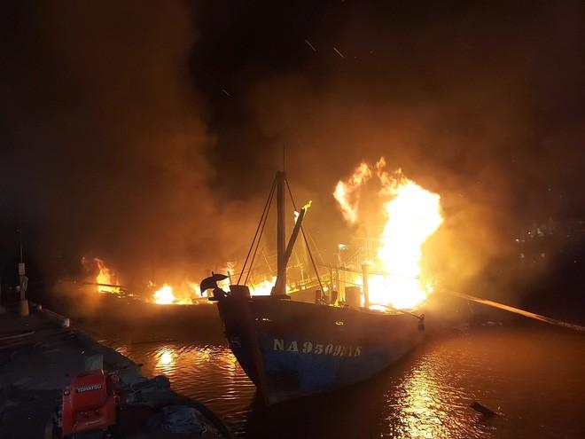 Hoàn cảnh thê thảm của ngư dân khi tàu vừa mua - Ảnh 2