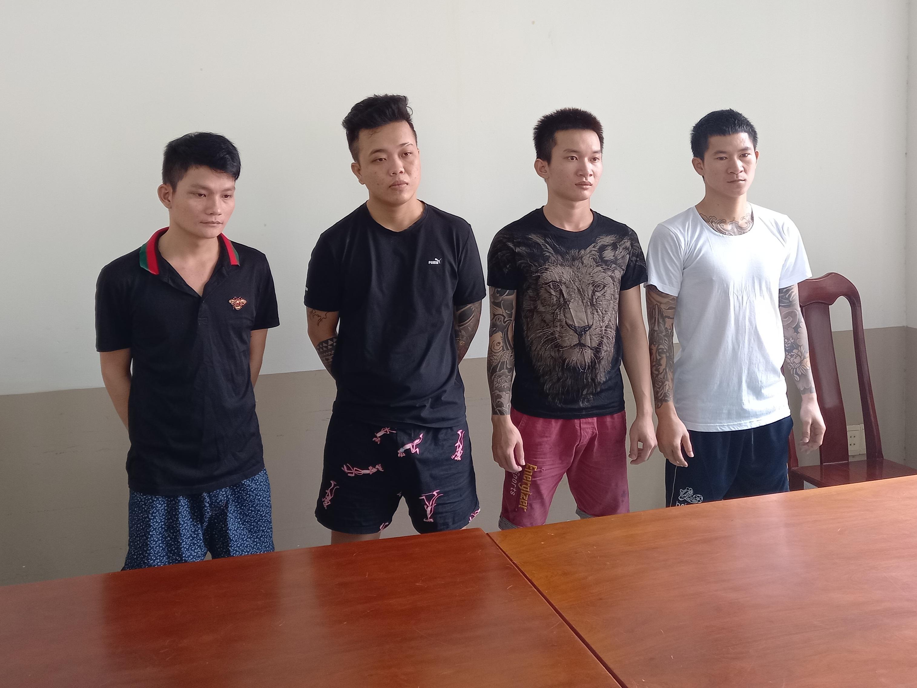 Bắt chẹt tiểu thương chợ Long Hải, nhóm 9X xăm trổ lộng hành thu tiền bảo kê - Ảnh 1