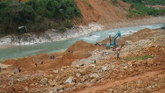 Vụ sạt lở thủy điện Rào Trăng 3: Tìm thấy thi thể nạn nhân thứ 5 - Ảnh 2