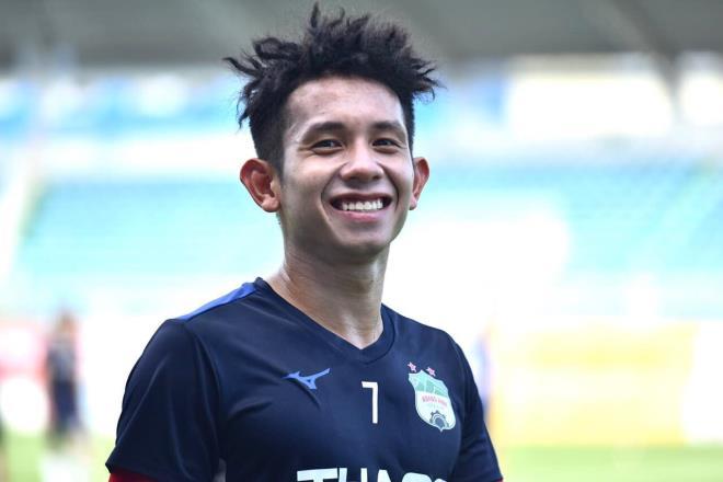 """Động thái bất ngờ của Duy Pinky sau khi bị cầu thủ """"hiền nhất Sài Gòn FC"""" ném bóng vào mặt - Ảnh 1"""