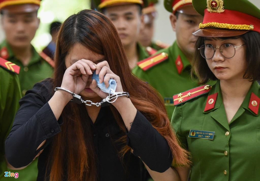 """Vụ bé trai 2 tuổi bị bắt cóc ở Bắc Ninh: Mẹ """"mìn"""" khóc nức nở sau khi nhận bản án - Ảnh 3"""
