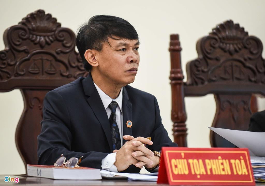 """Vụ bé trai 2 tuổi bị bắt cóc ở Bắc Ninh: Mẹ """"mìn"""" khóc nức nở sau khi nhận bản án - Ảnh 2"""