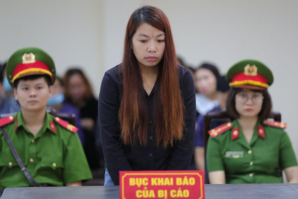 """Vụ bé trai 2 tuổi bị bắt cóc ở Bắc Ninh: Mẹ """"mìn"""" khóc nức nở sau khi nhận bản án - Ảnh 1"""