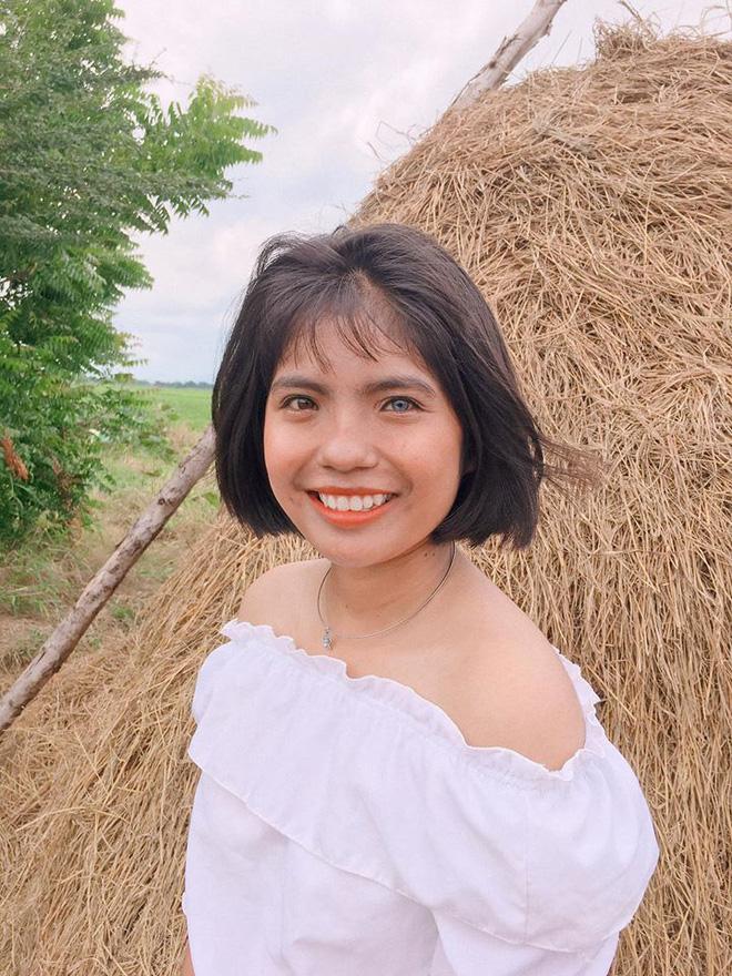 Nữ sinh Hà Nội sở hữu đôi mắt 2 màu đẹp lạ, 14 tuổi mới bắt đầu học nói và viết - Ảnh 3