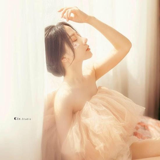 """Nữ sinh Tuyên Quang sở hữu nhan sắc """"đẹp như tượng tạc"""", góc nghiêng kiêu kỳ khiến bao chàng đắm say - Ảnh 2"""