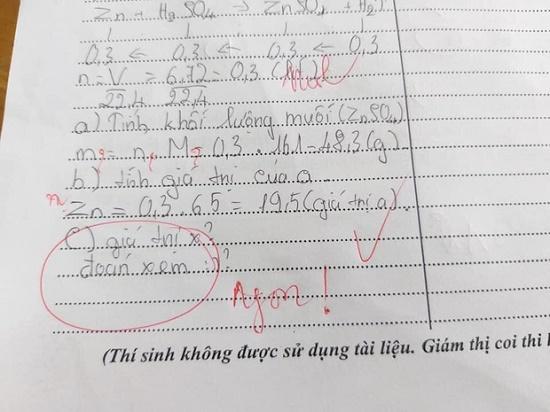 """Phát hiện học trò ngủ gục trên bàn, thầy giáo xuống kiểm tra nhưng sự thật là """"một cú lừa"""" từ đám """"nhất quỷ nhì ma"""" - Ảnh 2"""