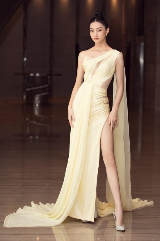 """Hoa hậu Tiểu Vy diện đầm xuyên thấu khoe nhan sắc đỉnh cao nhưng bị  """"soi"""" ra điểm """"kỳ lạ"""" này - Ảnh 5"""