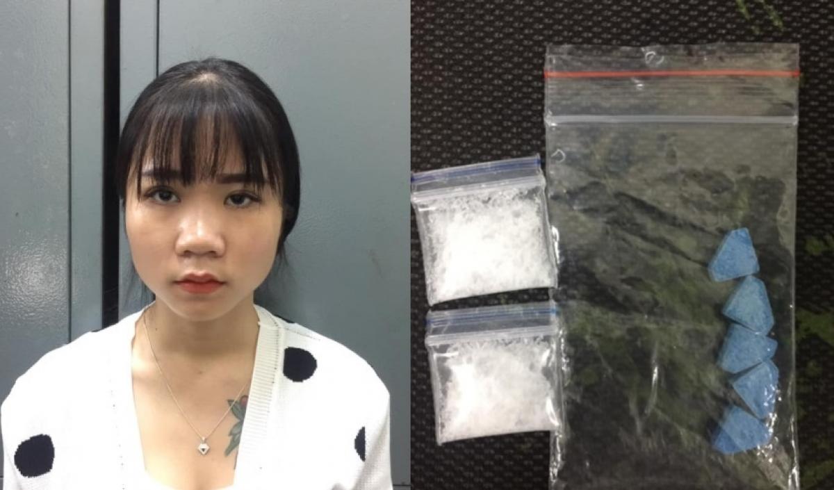 Tạm giữ thiếu nữ 17 tuổi ở Hà Nội giấu ma túy trong túi xách - Ảnh 1