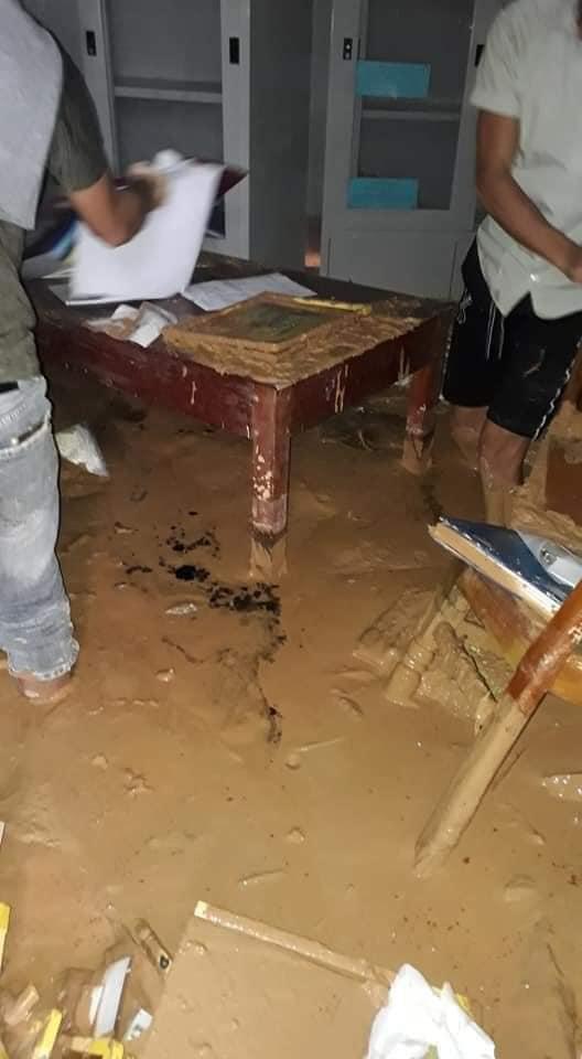 Trường học ngập trong bùn sau bão lũ, thầy cô vất vả dọn hơn nửa tháng - Ảnh 6