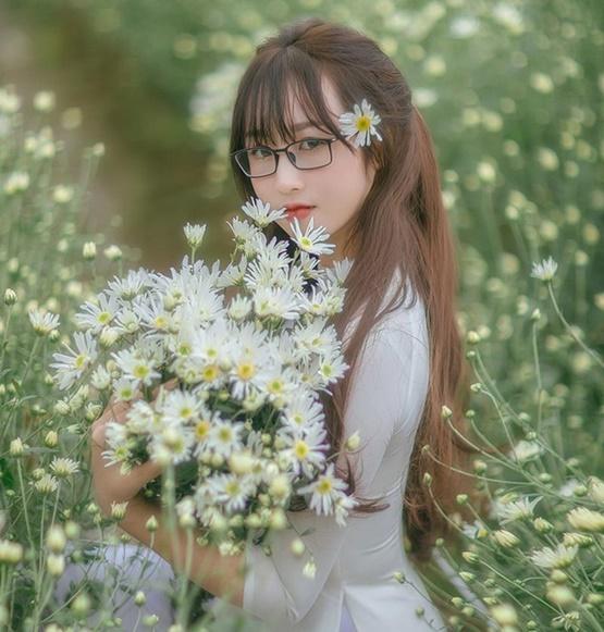 Cô giáo Bắc Giang xinh đẹp tựa thiên thần trong bộ ảnh lưu giữ khoảnh khắc thanh xuân - Ảnh 4