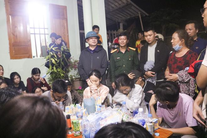 Đi dã ngoại trên núi, 27 học sinh lớp 12 bị lạc trong rừng - Ảnh 2