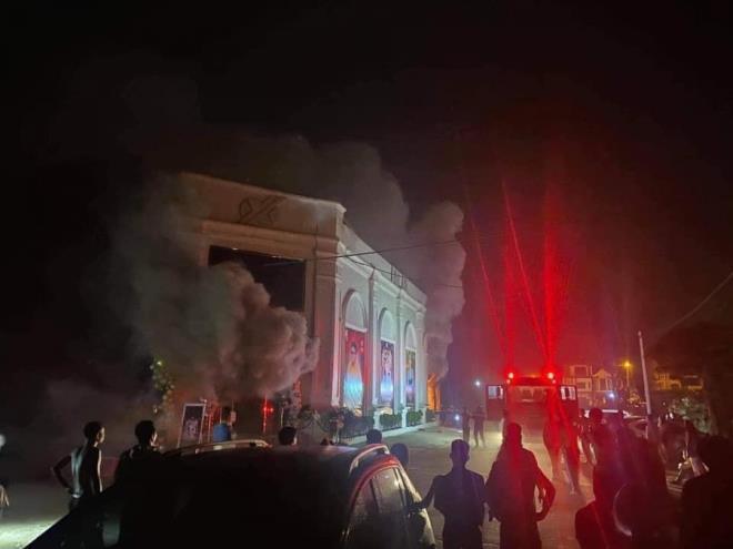 Nhân chứng vụ cháy quán bar ở Vĩnh Phúc, 3 người chết: Cả trăm người tháo chạy sau tiếng hô lớn - Ảnh 2