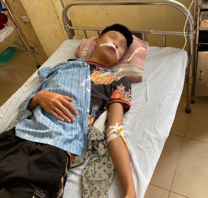 Vụ nam sinh Hà Nội bị bạn đánh gãy răng, khâu 7 mũi: Ban giám hiệu trường học nói gì? - Ảnh 1