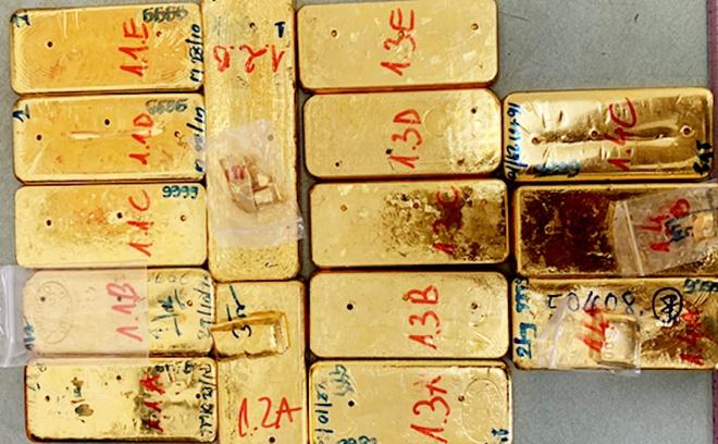 Vụ buôn lậu 51kg vàng 9999 ở An Giang: Thường làm từ thiện để ngụy trang - Ảnh 1