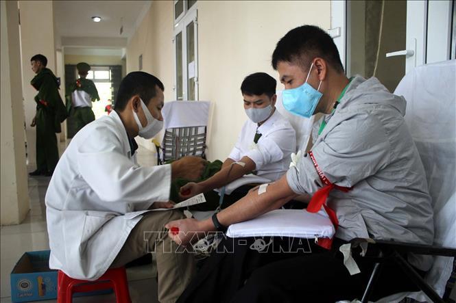 Hàng nghìn người tham gia hiến máu tại ngày hội Chủ nhật Đỏ - Ảnh 1