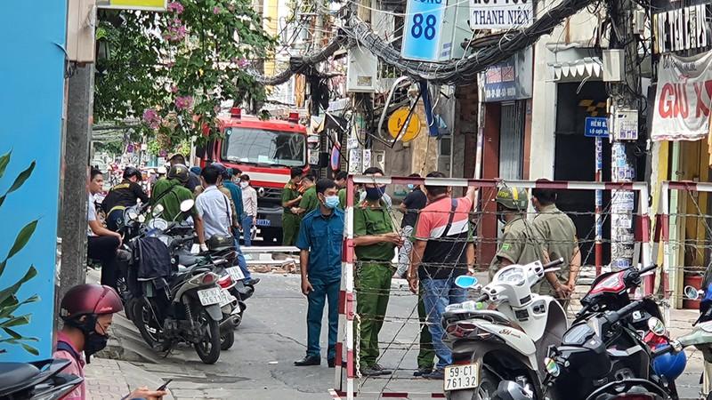 Vụ căn nhà đổ sập sau tiếng nổ kinh hoàng: Công an hé lộ nguyên nhân - Ảnh 1