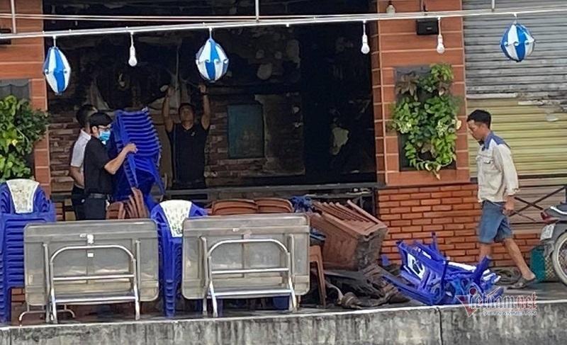 Hiện trường vụ nhà hàng hải sản bốc cháy ngùn ngụt sau tiếng nổ lớn - Ảnh 6