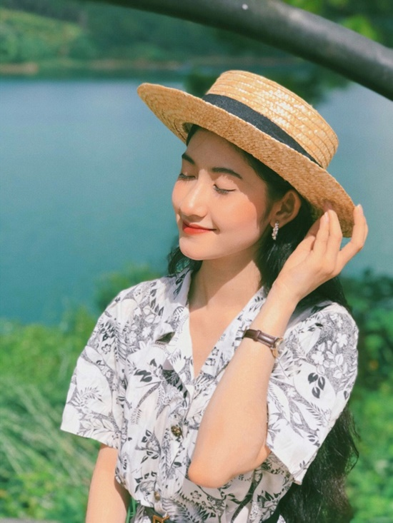 9X ĐH Nha Trang sở hữu nhan sắc xinh đẹp như mỹ nữ trong tranh - Ảnh 6