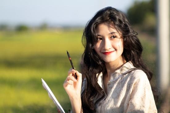 9X ĐH Nha Trang sở hữu nhan sắc xinh đẹp như mỹ nữ trong tranh - Ảnh 7