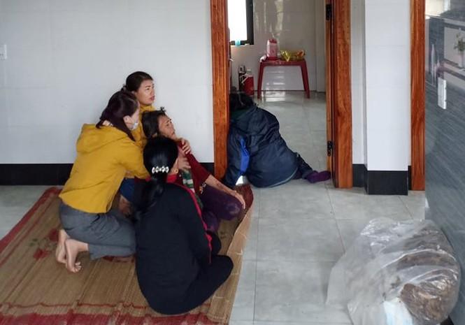 Phát hiện 4 mẹ con thương vong trong căn phòng đóng kín, nghi do ngạt khí than - Ảnh 1