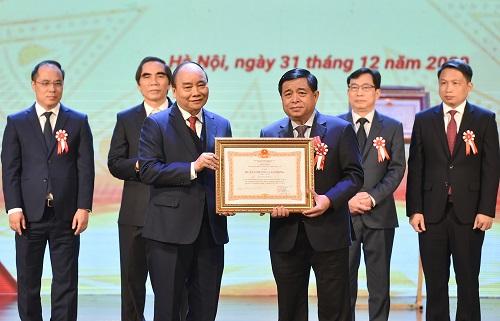 Thủ tướng Nguyễn Xuân Phúc: Làm sao để giàu trước khi già thay vì già trước khi giàu - Ảnh 3
