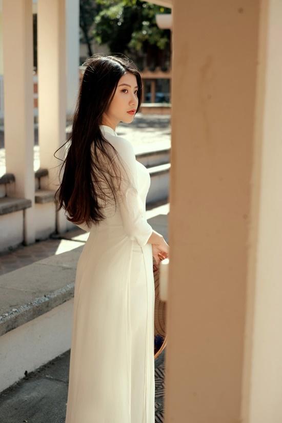"""Nữ sinh Ninh Bình diện áo dài trắng đẹp tựa tiểu tiên nữ, biết bao chàng phải """"đổ gục"""" - Ảnh 5"""