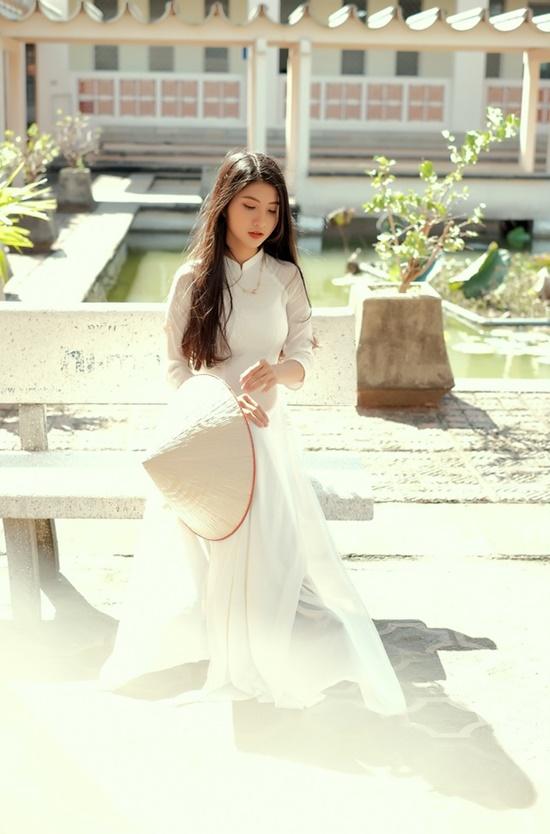 """Nữ sinh Ninh Bình diện áo dài trắng đẹp tựa tiểu tiên nữ, biết bao chàng phải """"đổ gục"""" - Ảnh 6"""