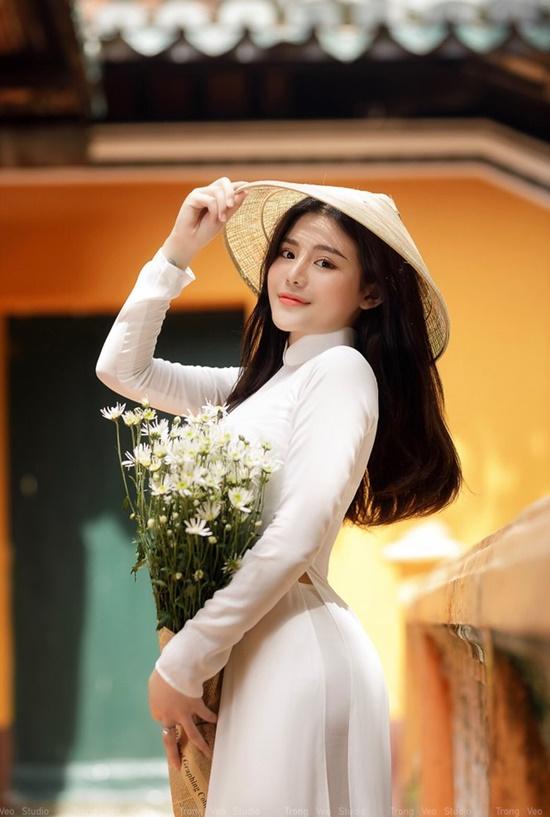 """Nữ sinh Ninh Bình diện áo dài trắng đẹp tựa tiểu tiên nữ, biết bao chàng phải """"đổ gục"""" - Ảnh 9"""