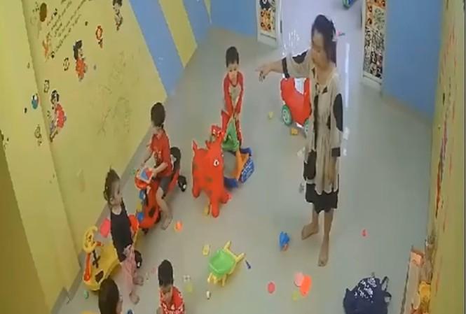 Thông tin mới nhất vụ cô giáo cơ sở mầm non tư thục đánh trẻ ở Nha Trang - Ảnh 2