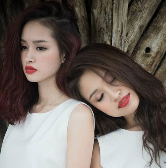 """Những cặp hot girl, người nổi tiếng có ngoại hình tương đồng, khiến dân tình """"toát mồ hôi"""" để phân biệt - Ảnh 1"""