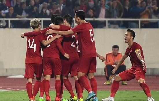 Tuyển Việt Nam đứng vị trí nào trong bảng xếp hạng FIFA? - Ảnh 1