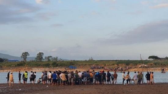 Vụ lật thuyền 6 người mất tích trên sông Vu Gia: Tìm thấy thi thể nạn nhân cuối cùng - Ảnh 1