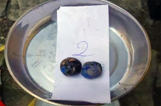 Hé lộ độc chiêu của đôi vợ chồng lừa bán đá thiên thạch bằng đất sét giá 4,2 tỷ đồng - Ảnh 2