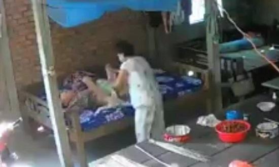 Nghi án cụ bà 88 tuổi bị bạo hành ở Tiền Giang: Vợ chồng người con trai khai gì? - Ảnh 1