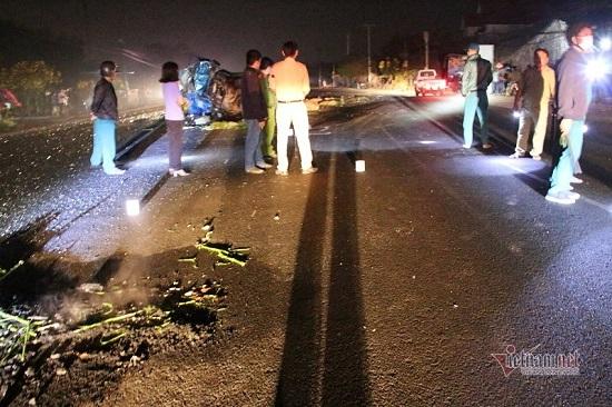 Xe khách tông trực diện xe tải lúc rạng sáng, 1 người tử vong - Ảnh 2