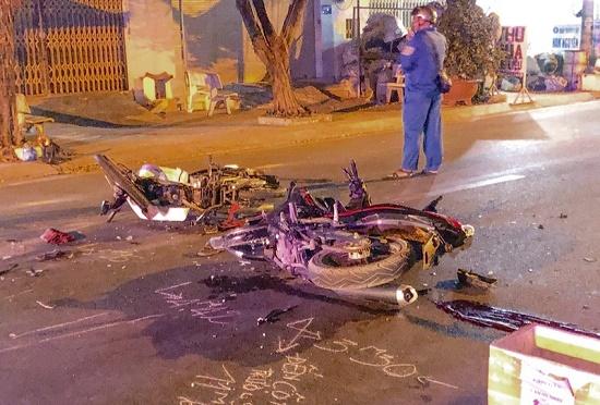 Tin tai nạn giao thông mới nhất ngày 11/3/2020: Công nhân sửa đường bị xe đầu kéo tông tử vong - Ảnh 3