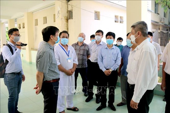 Bộ Y tế kiểm tra công tác phòng, chống dịch COVID-19 tại Bình Thuận - Ảnh 2