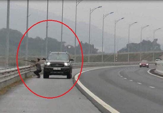 Tin tai nạn giao thông mới nhất ngày 16/3/2020: Bị cuốn vào gầm xe khách, người phụ nữ tử vong thương tâm - Ảnh 3